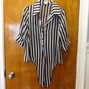 Body Central Black/White Striped Front Knot Top M